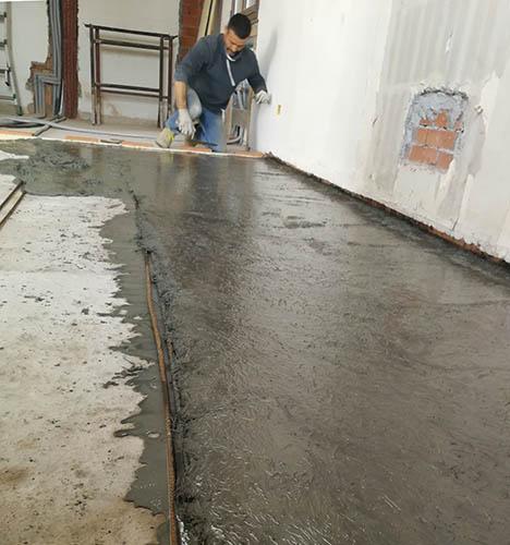 floors-restoration-gloors-micro-concrete-micro-gold-fcc-L2-ruregold.com